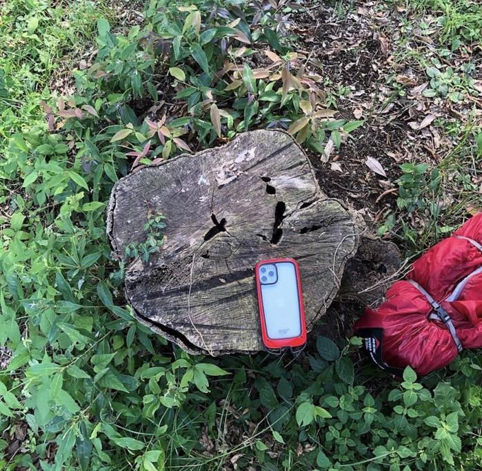 (複製)日本 ROOT CO.|iPhone 11 Gravity Hold. 雙掛勾+360度旋轉登山扣 - 共六色