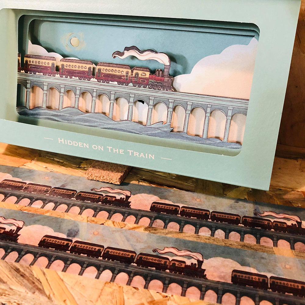 大寬文化|《火車上的捉迷藏》經典場景立體卡片組