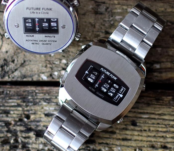 Future Funk |榮耀同在-太空銀,金屬錶帶,日本直立迴轉石英錶
