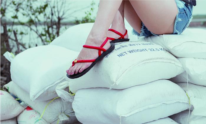 (複製)blackOut|訂製細帶涼鞋-黑底+巧克力鞋帶