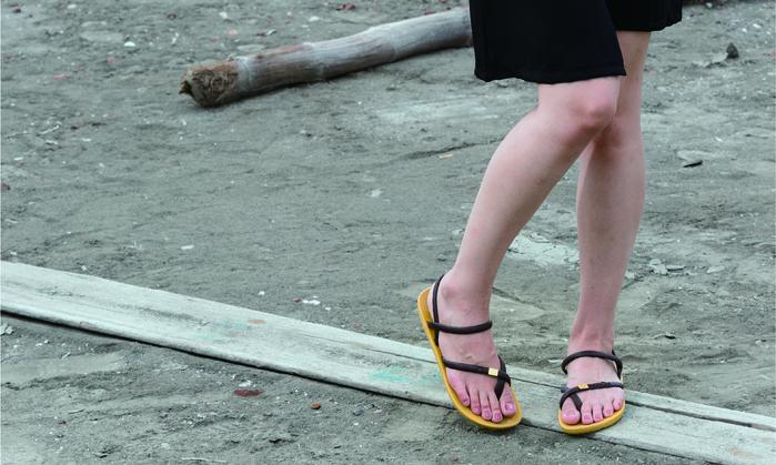 (複製)blackOut|訂製細帶涼鞋-紅底+白鞋帶