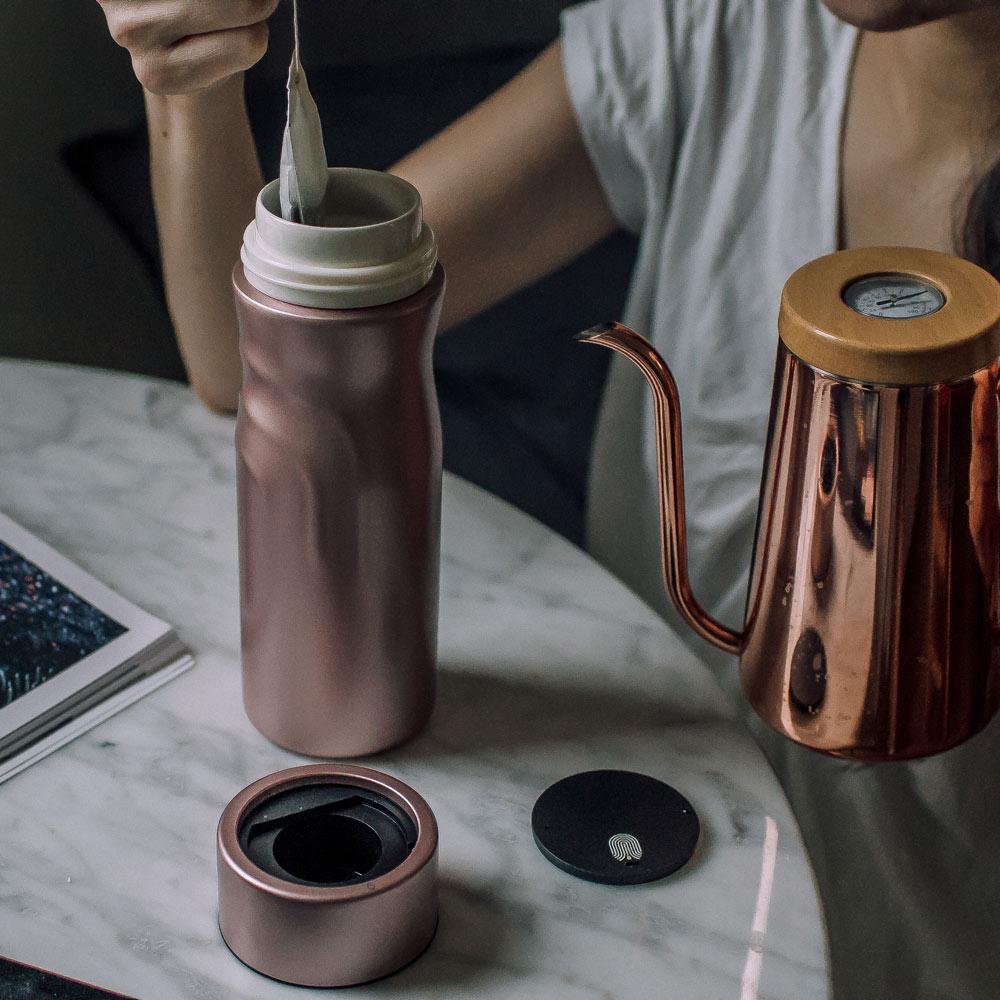 【集購】elife 握手杯 磁吸琺瑯保溫杯(四色任選)