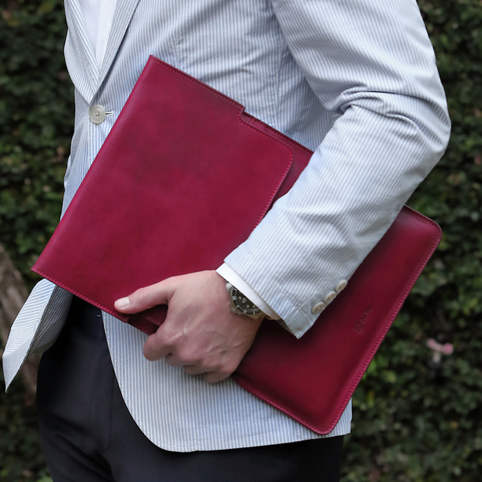 Del Sur DS 阿根廷頭層牛皮純手工植鞣天然皮革-13.3直式電腦包-楓葉紅