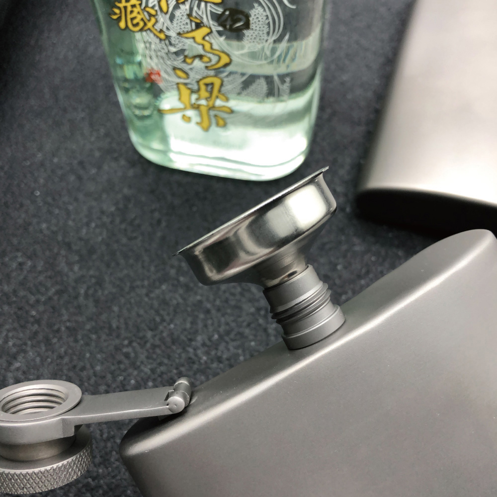 BEST Ti 純鈦酒壺 190ml (附漏斗)