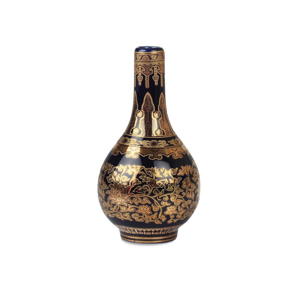 故宮精品|金番花藍地膽瓶