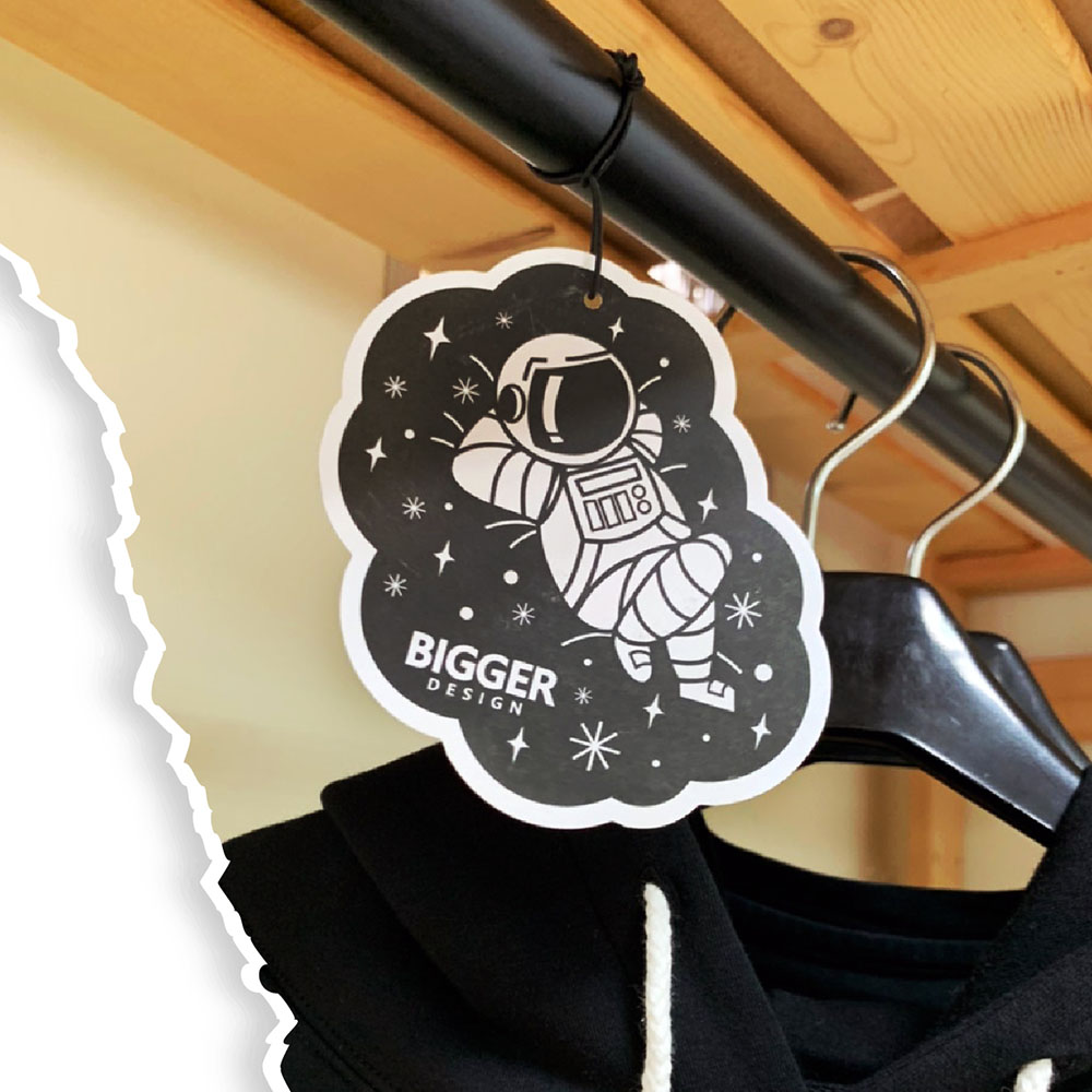BIGGER|太空人香水吊卡