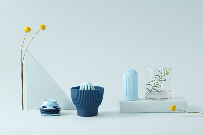 FLYTTA|SKUZEE鮮榨蓋 - 榨汁/泡茶 多功能飲品調理組(經典藍)(贈1L玻璃瓶)