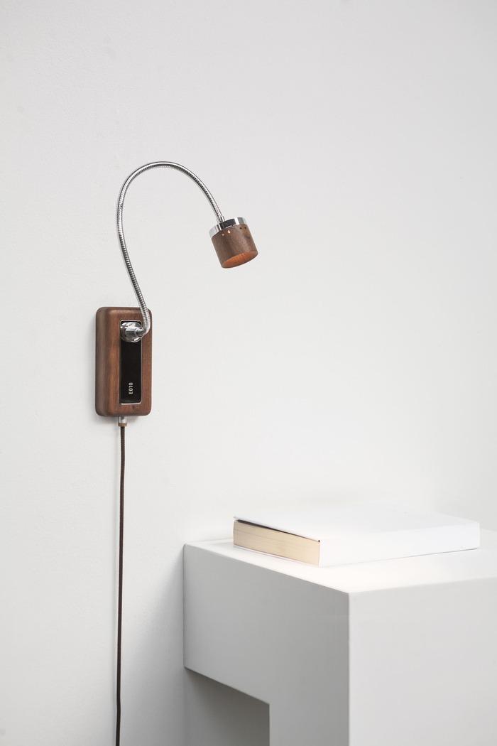 台電文創|Whims E010 LED床頭閱讀壁燈 退役木橫擔 深色