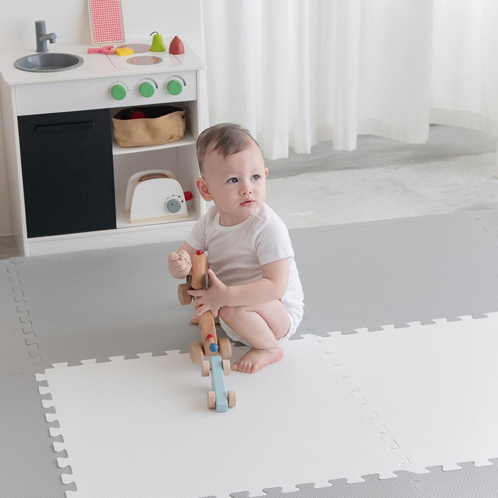 PatoPato 嬰幼兒專用馬卡龍60x60x3cm雙色地墊 - 灰&白 - 1包4片裝
